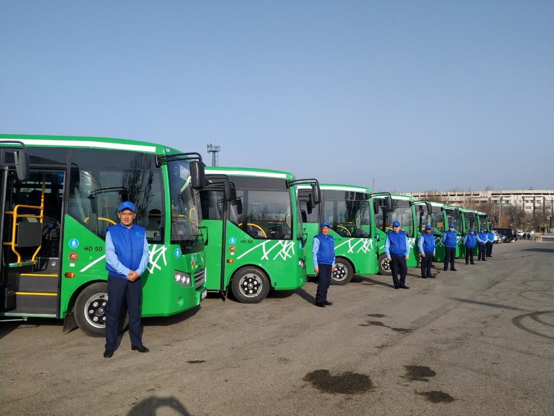 Автобусы на двух маршрутах обновили в Алматы