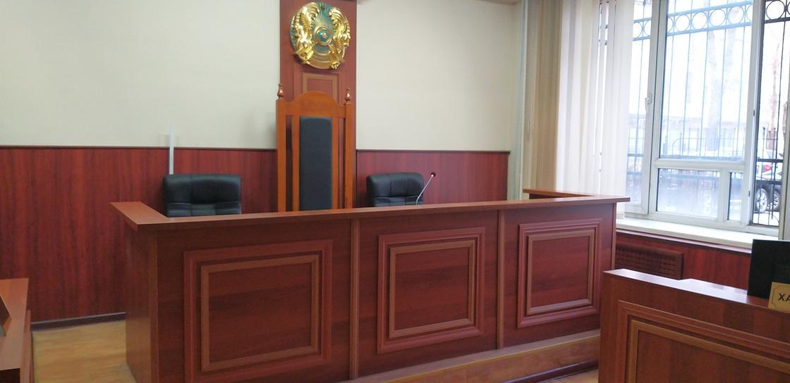 Известный экс-прокурор осужден за мошенничество в Шымкенте