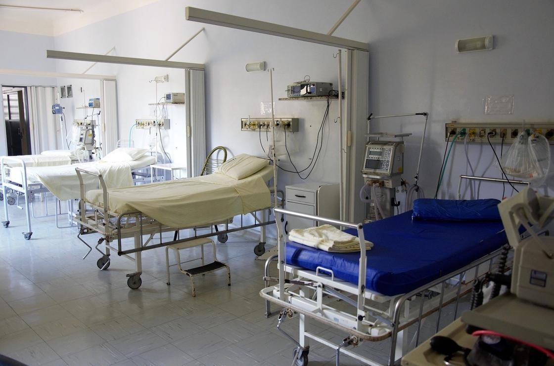 «Пациент на ИВЛ умер от отключения электричества»: в Минздраве опровергли информацию