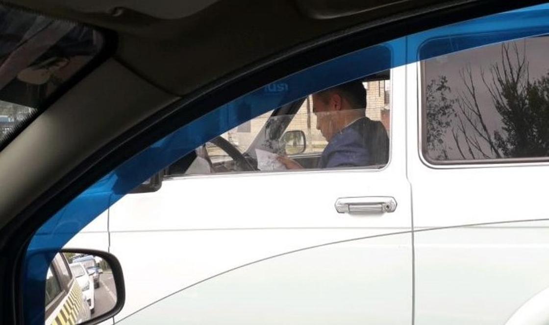Начальника райполиции наказали за два нарушения на дороге в Уральске (фото, видео)