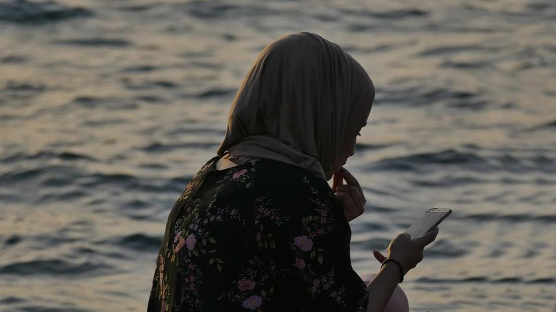 """""""Она дает неправильное воспитание"""": алматинец настраивал детей против жены, потому что она не носит хиджаб"""