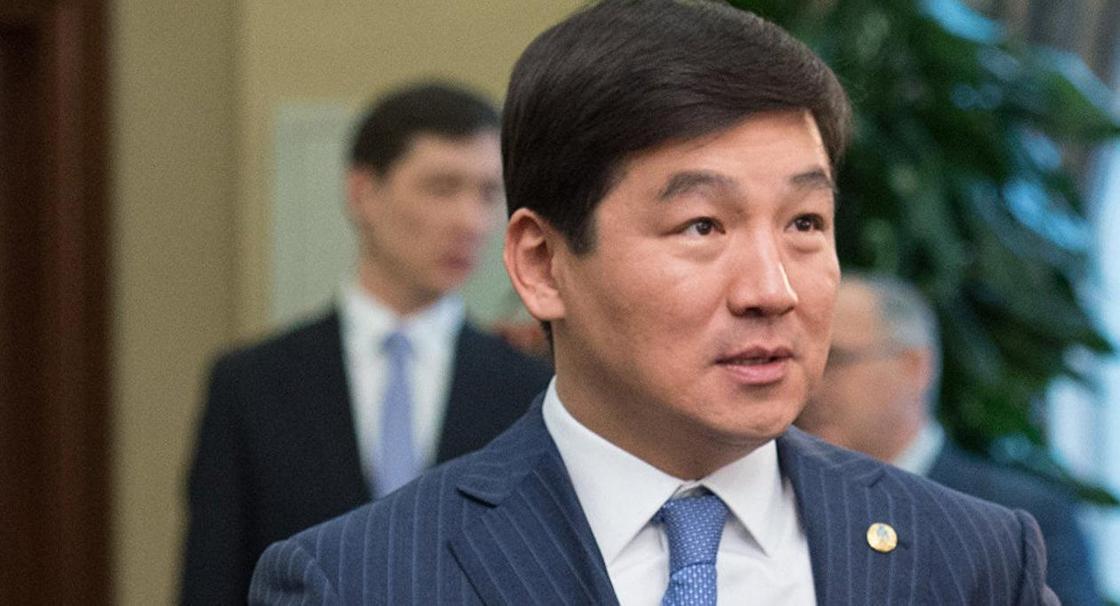 Продает рельсы и владеет заводами: аким Алматы рассказал, какие сплетни о нем ходят