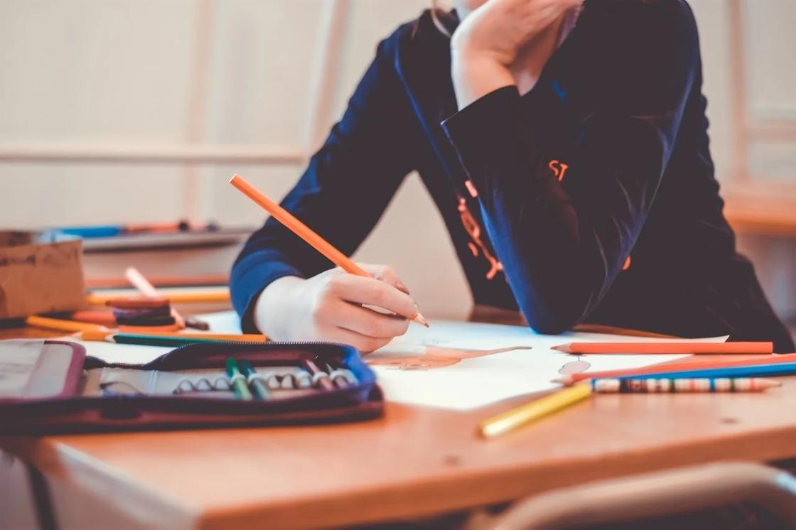 Қазақстанда оқушыларға мектеп формасын кию міндеттелмейді