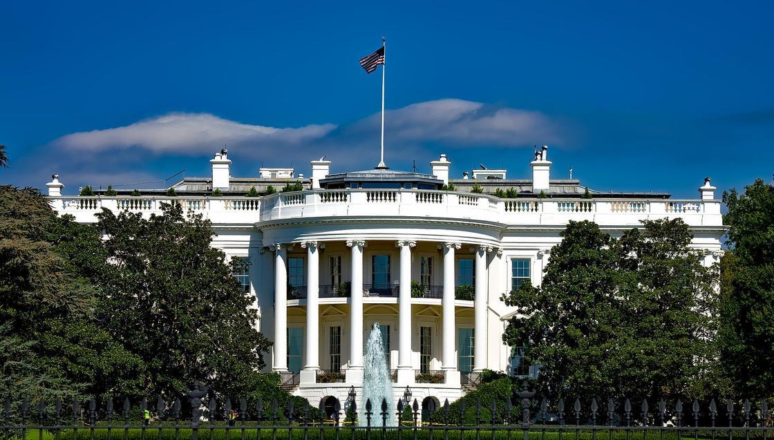 Журналисты Белого Дома будут проверяться на коронавирус перед брифингами Трампа