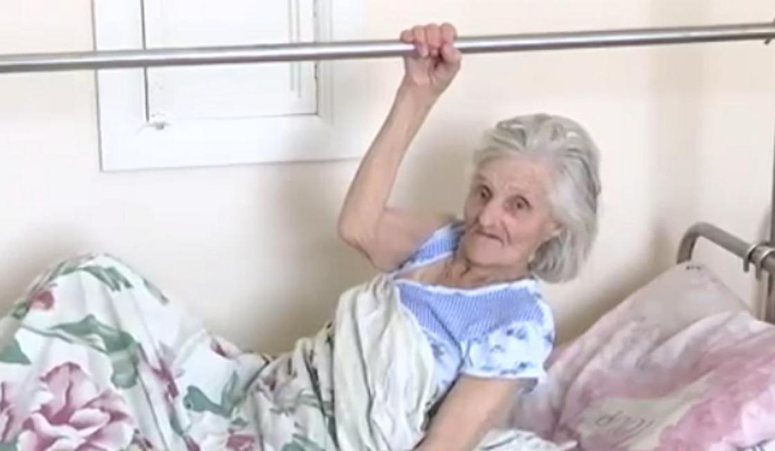 Родственники полгода не забирают пожилую женщину из больницы в Костанае