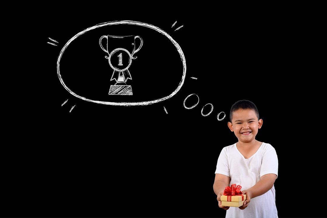 Мальчик мечтает о победе