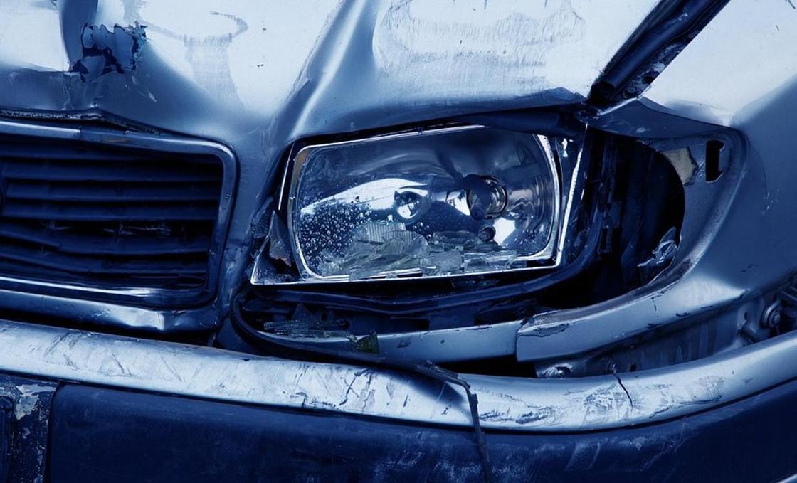 Две Audi столкнулись на трассе в Алматинской области: погибли семь человек