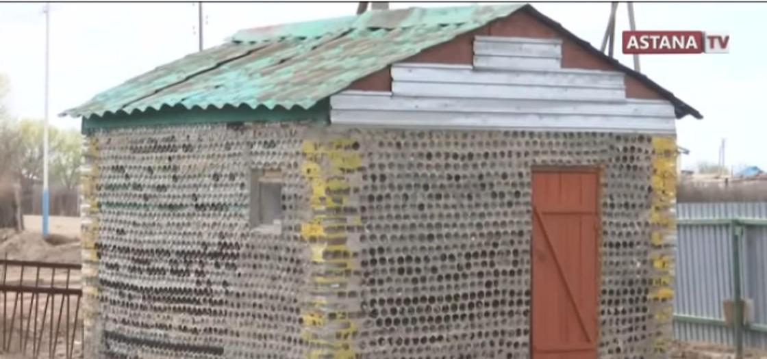 Шебер тұрызған баня. Кадр Астана арнасы