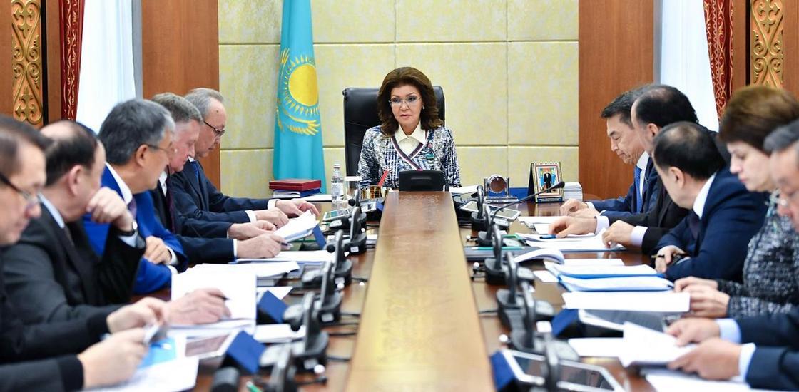 """Назарбаева высказалась о пользе проекта """"Күнделік"""" и о низком качестве интернета"""