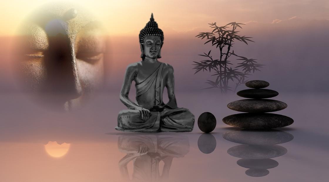 Фигурка медитирующего человека
