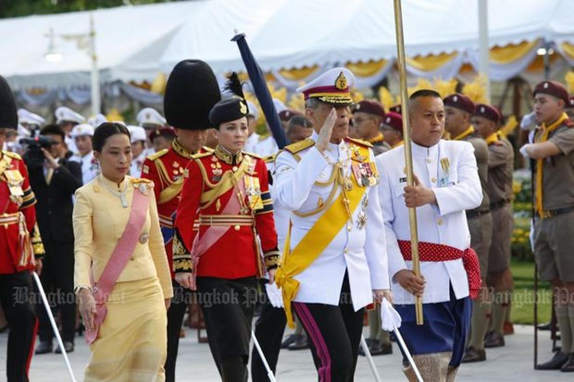 Таиланд патшасы генералға үйленді (фото, видео)