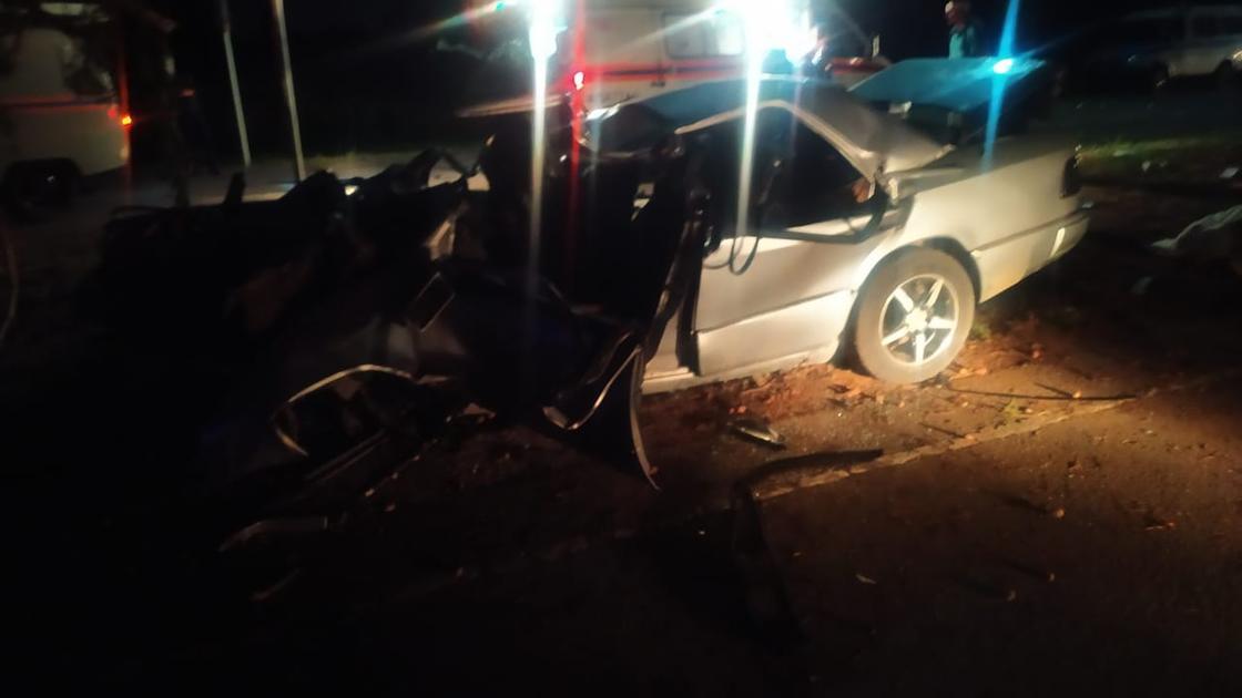 Жуткая авария с Mersedes произошла в Павлодаре (фото)