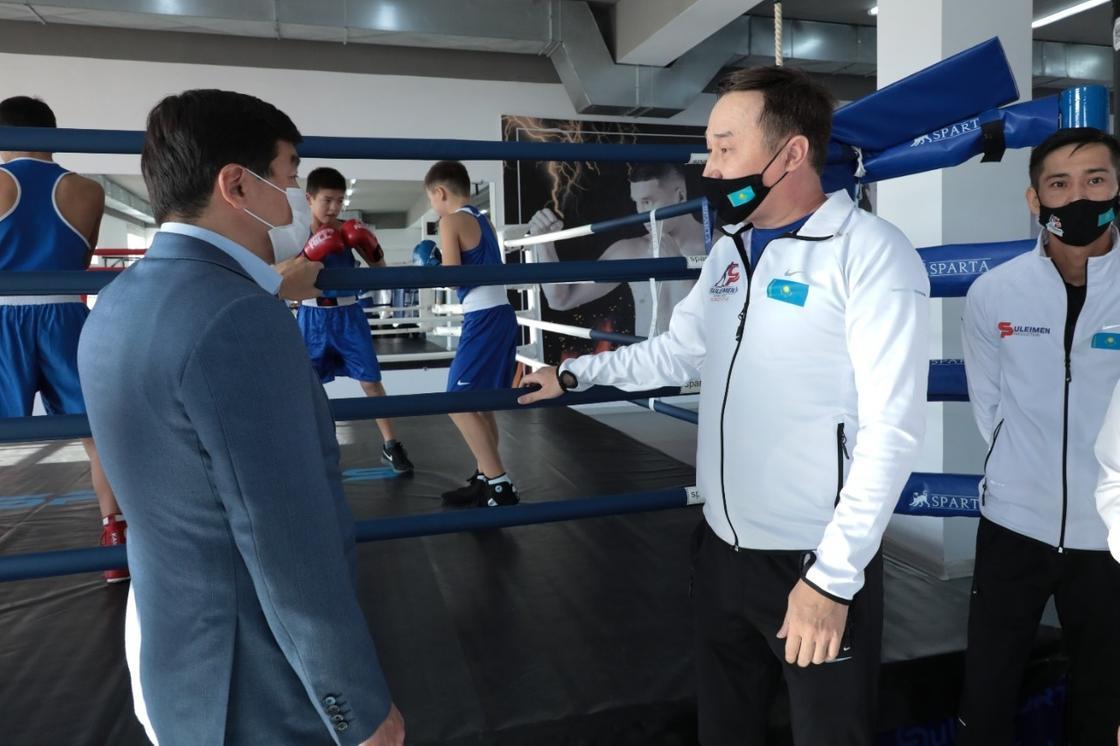 Бауыржан Байбек встретился со спортсменами Мангистау