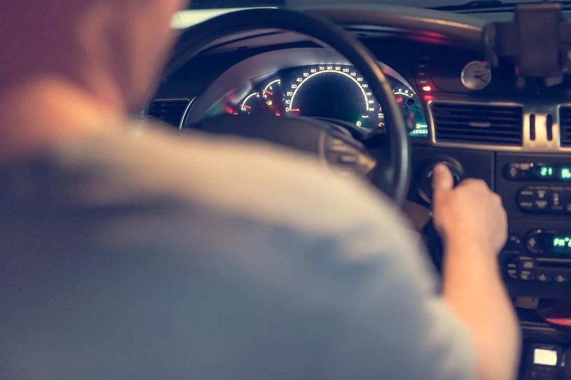 Личным авто запретили ездить в выходные и праздники в Усть-Каменогорске и Семее