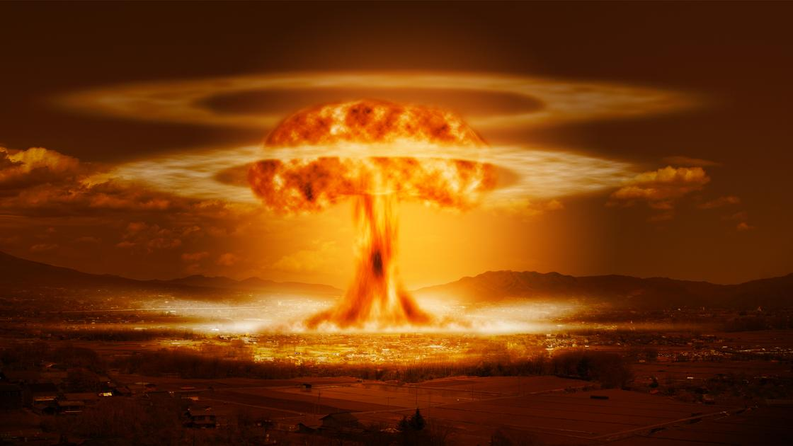 Отреставрированное видео первого ядерного взрыва опубликовали в Сети