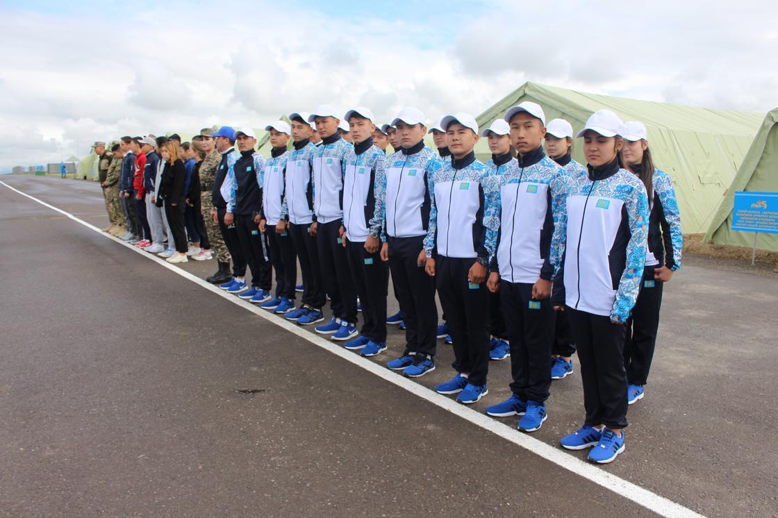 Юные патриоты прибыли на военно-патриотический сбор «Айбын»