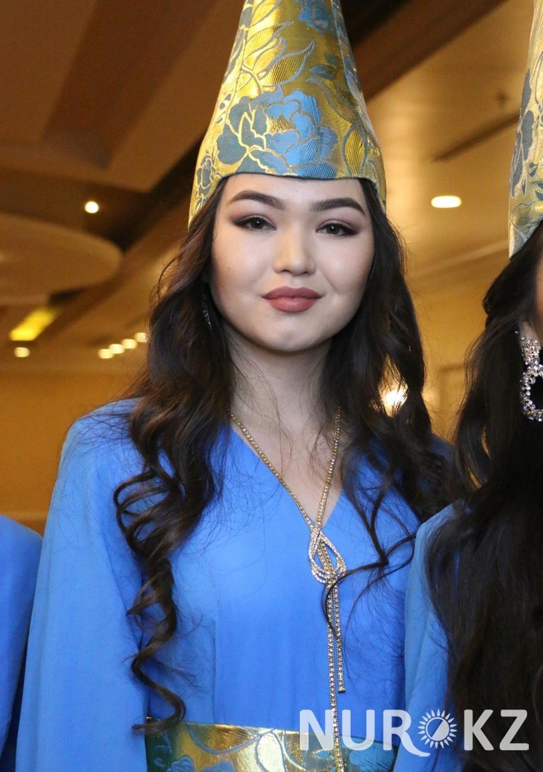 Проводник поезда и школьница: в столице показали красоток «Мисс Астана-2018» (фото)