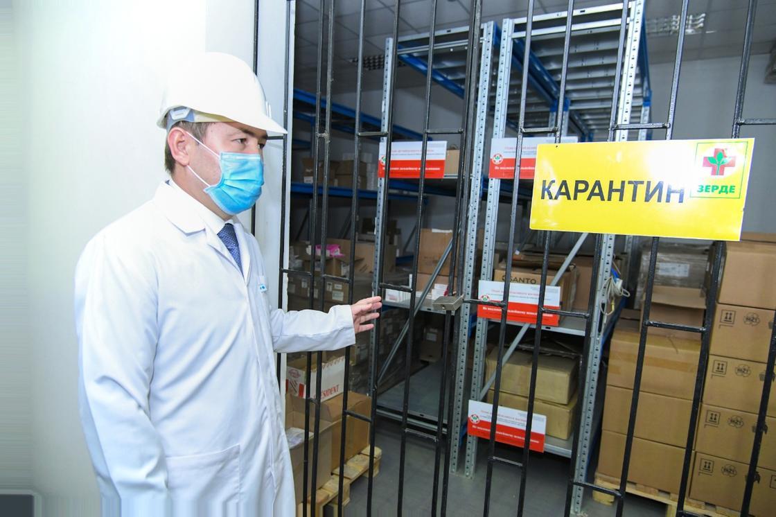 В Шымкент везут 5 вагонов и 15 машин лекарств
