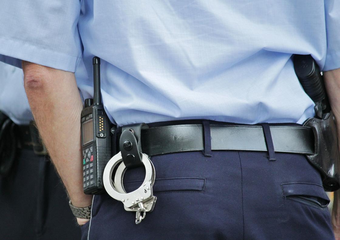 Пострадавшему во время протестов в Алматы полицейскому сделают операцию