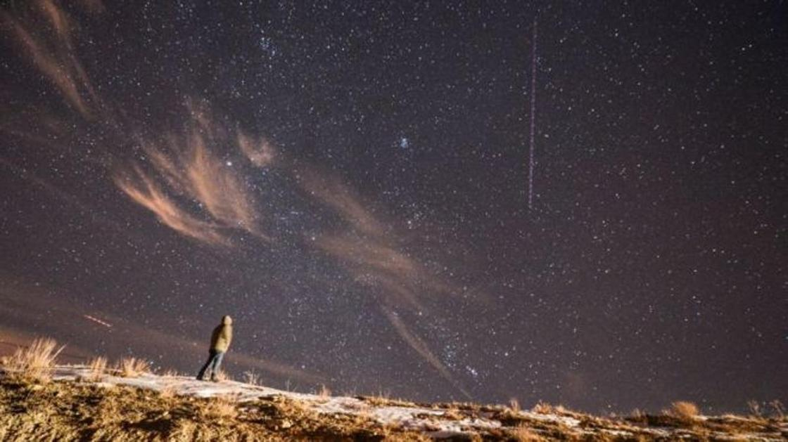 Метеорный поток Гемениды в ночь на пятницу прольется на Землю сотнями падающих звезд