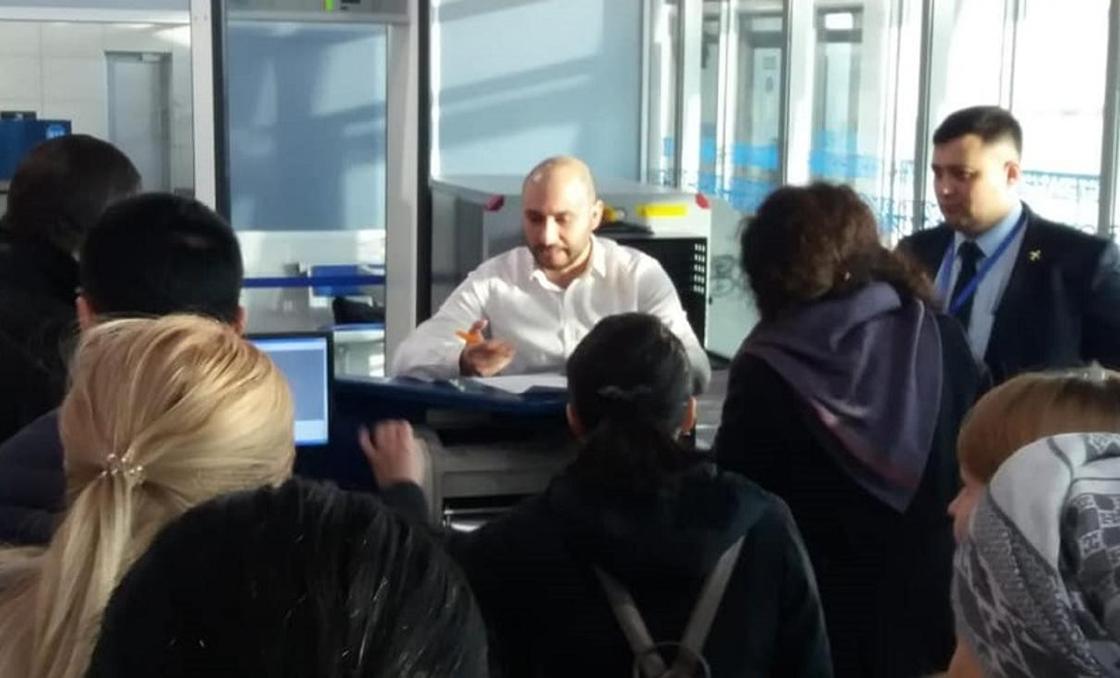 Казахстанцы возмутились отсутствием квалификации на полеты в тумане у пилота SCAT (видео)