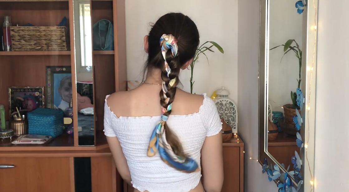 Платок в косе
