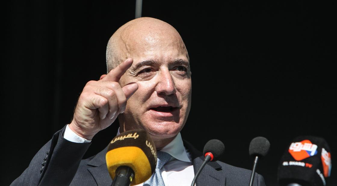 Глава Amazon заработал почти 10,2 трлн тенге благодаря коронавирусу