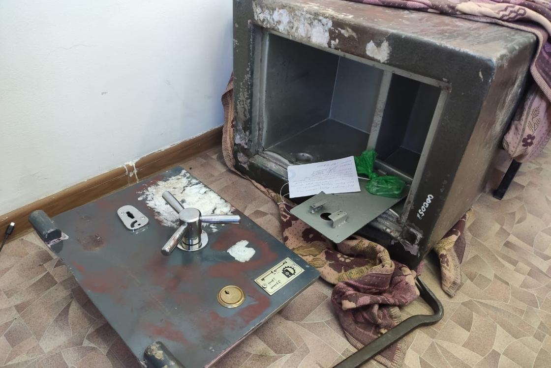 Похищенный сейф в Туркестанской области