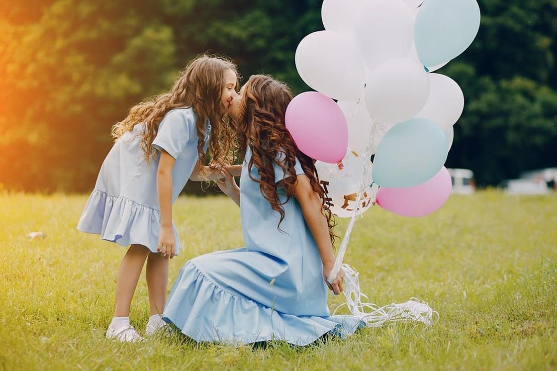 С днем рождения, мама: поздравления от дочери в прозе