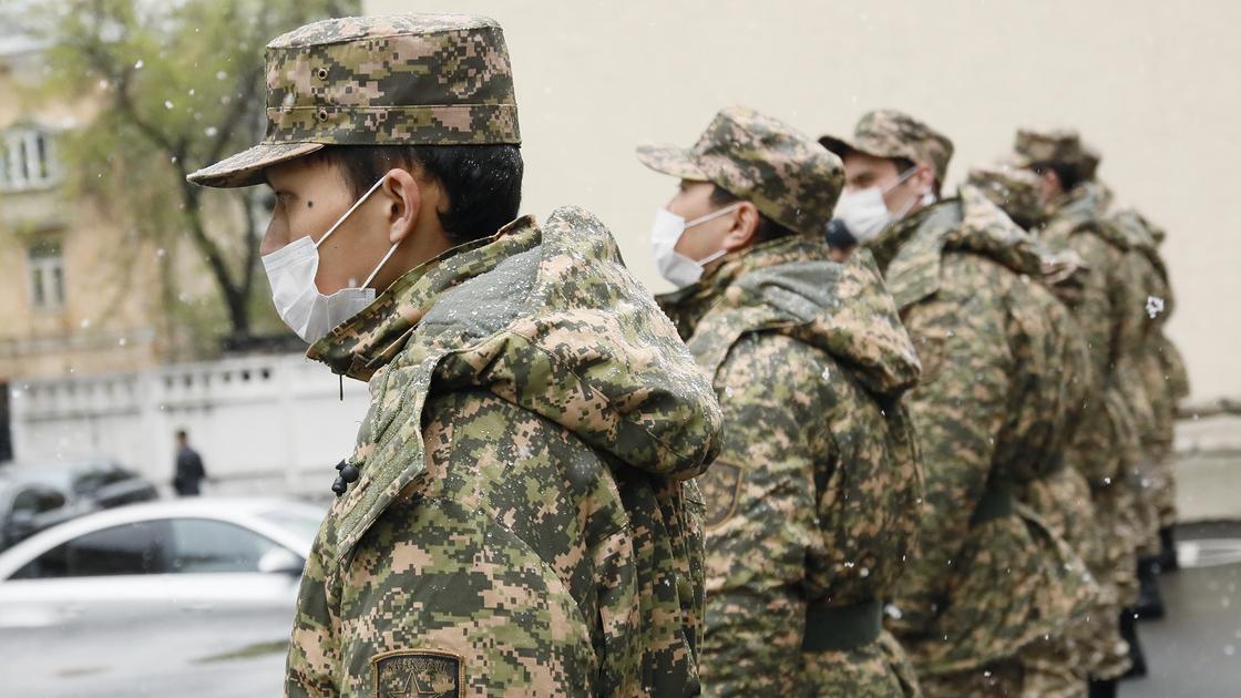 Более двух тысяч человек добровольно призвались в ряды Вооруженных сил в дни карантина