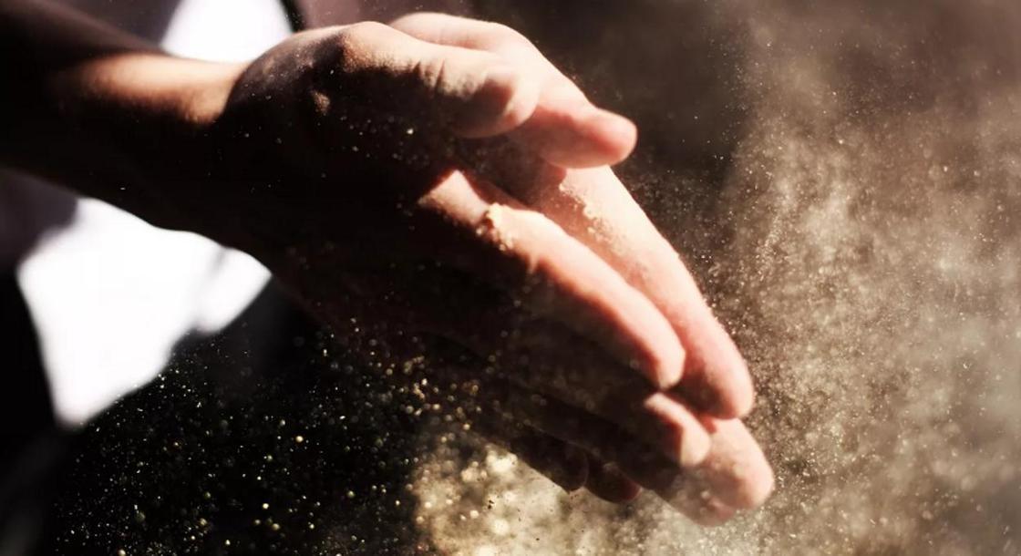 Ученые рассказали о смертельной опасности обычной пыли