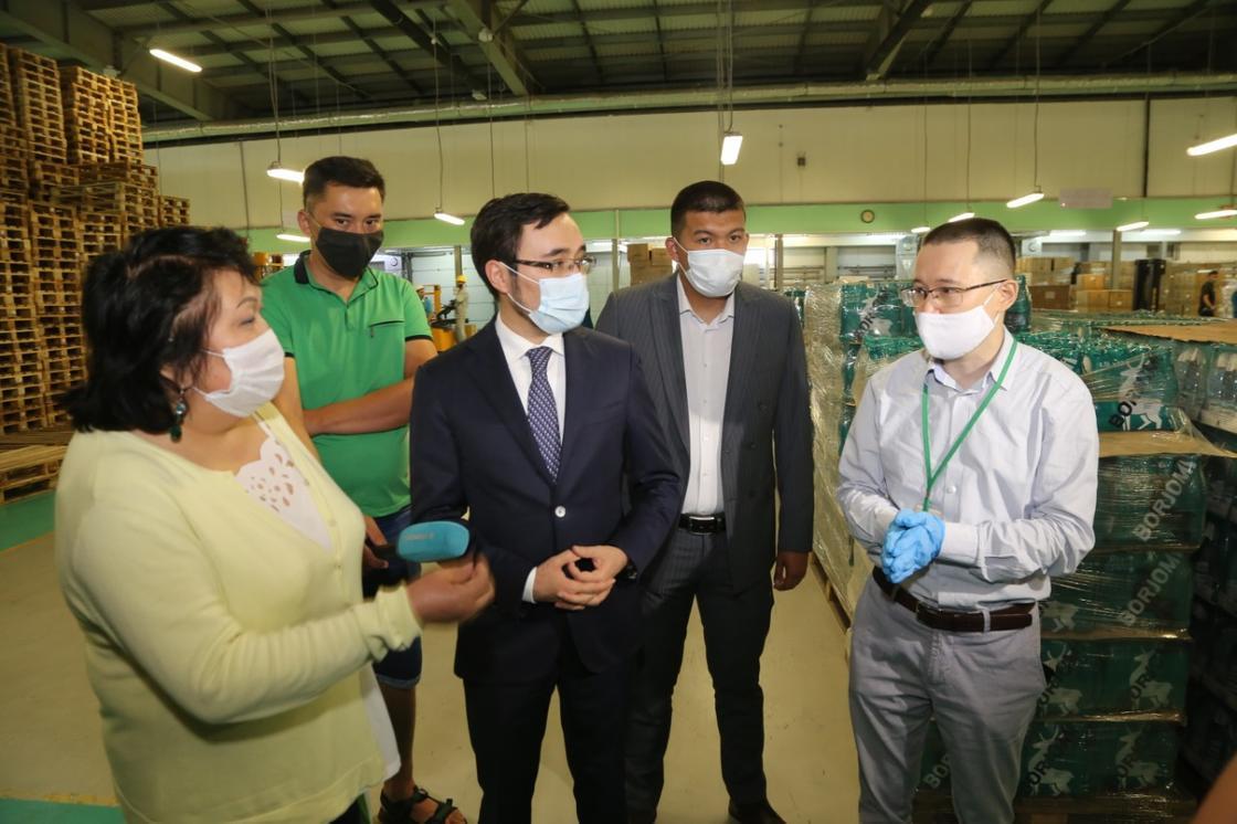 В аптеки Карагандинской области началась отгрузка жаропонижающих и противовирусных препаратов