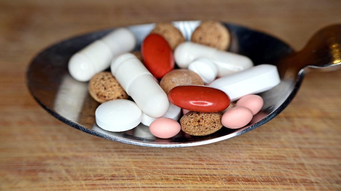 Врачи рассказали, какие проблемы может вызвать безразмерное употребление таблеток