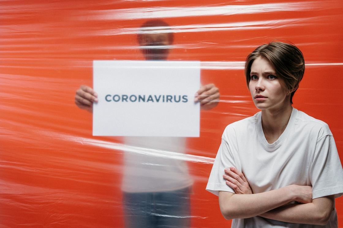 Можно ли избежать заражения при контакте с больным коронавирусом, рассказал врач