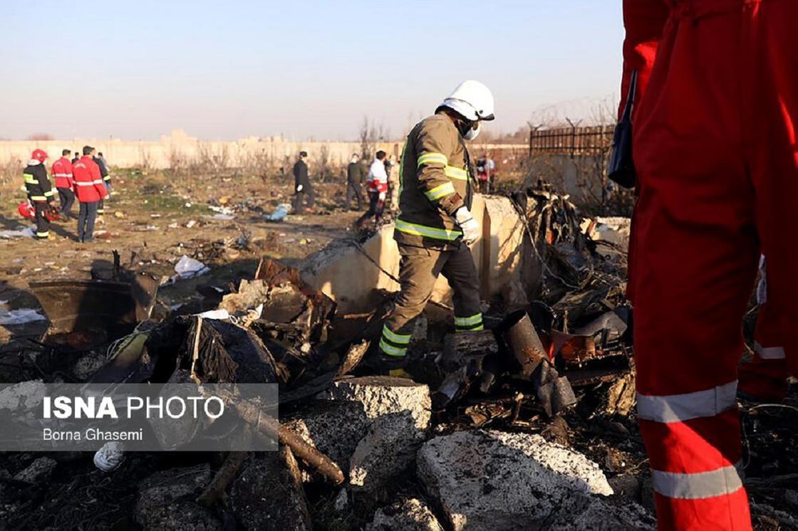 Киев уточнил число жертв разбившего в Иране самолета
