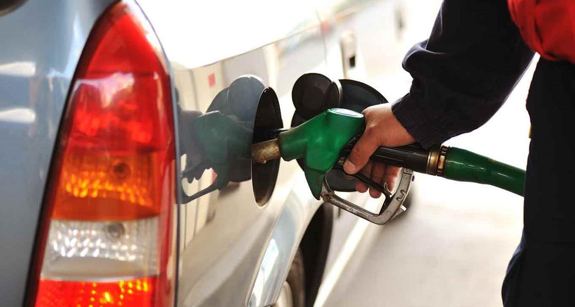 Бозумбаев рассказал о ценах на бензин в Казахстане и соседних странах