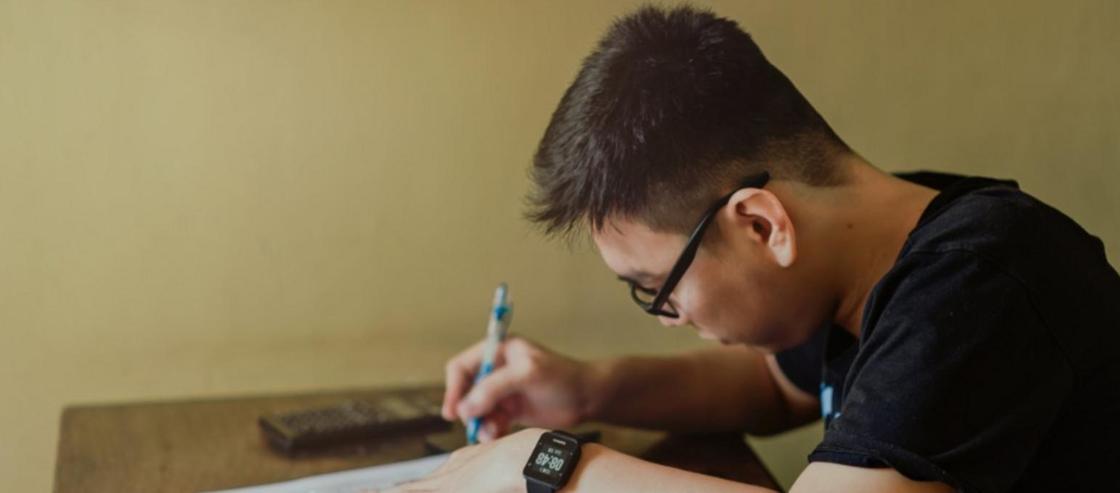 Школьник ручкой проткнул глаз своему однокласснику в ЗКО