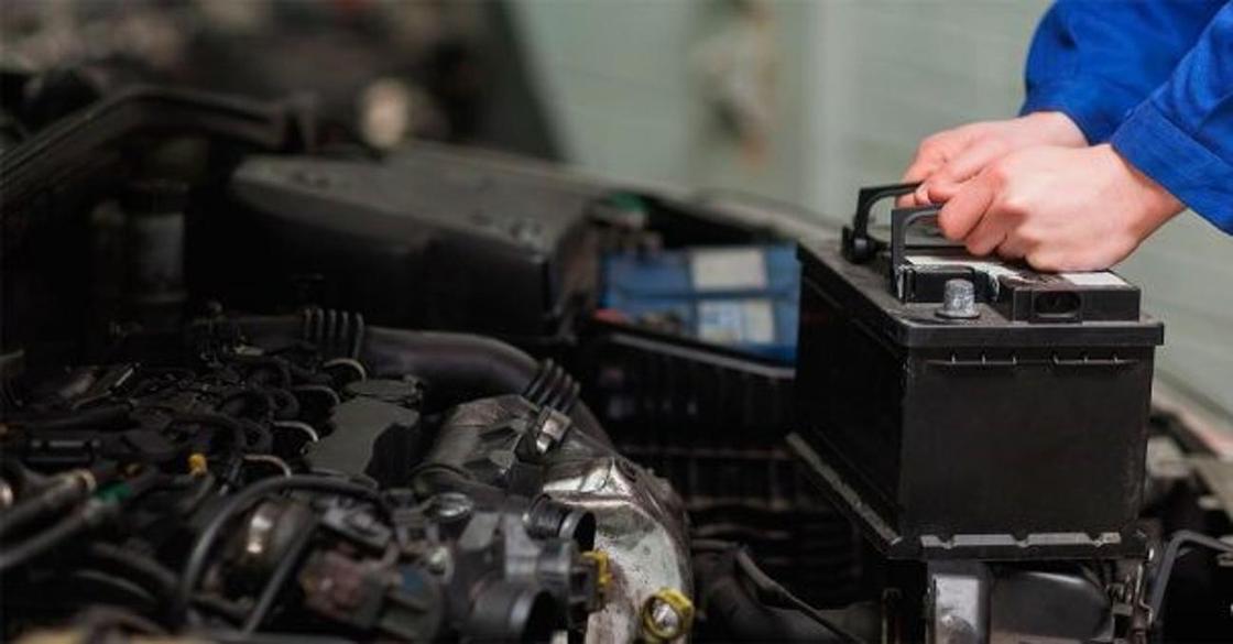 Укравших десятки аккумуляторов из автомобилей воров поймали в Караганде