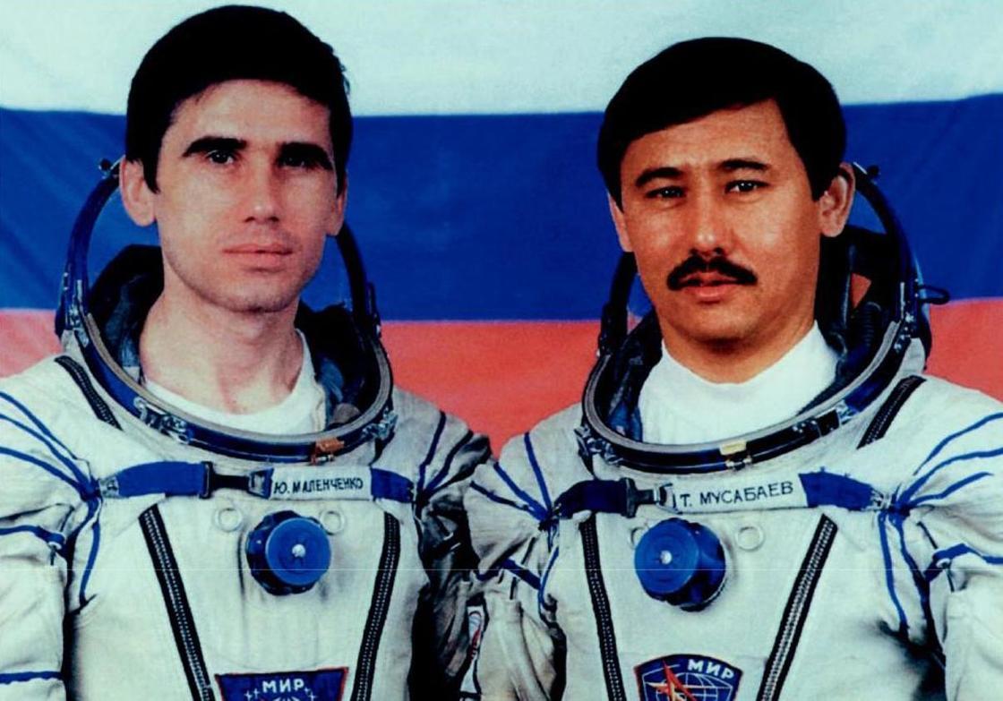 Первые космонавты Казахстана