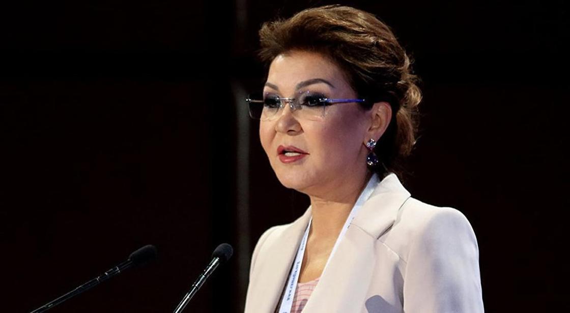 Назарбаева призвала чиновников простым языком разъяснять госпрограммы казахстанцам