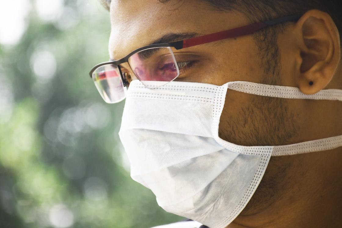 Нельзя уповать на иммунитет: эксперты о том, как не заразиться коронавирусом