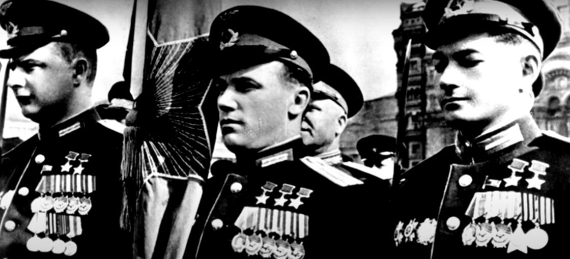 Талгат Бегельдинов в рядах участников Парада Победы