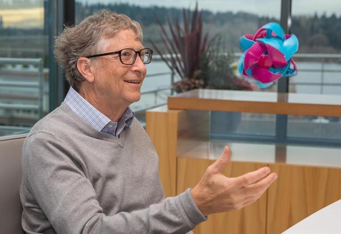 Билл Гейтс покинул совет директоров Microsoft. Он хочет уделять больше времени благотворительности