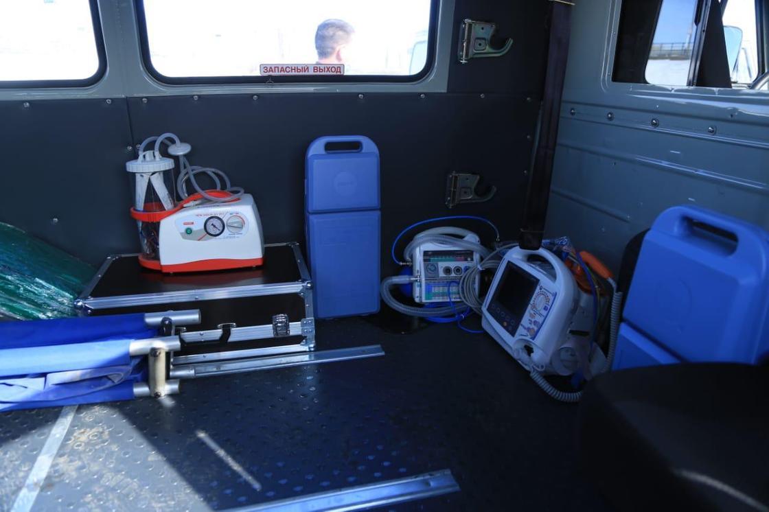 80 единиц санитарного автотранспорта приобрели в Костанайской области. Их направят на борьбу с коронавирусом
