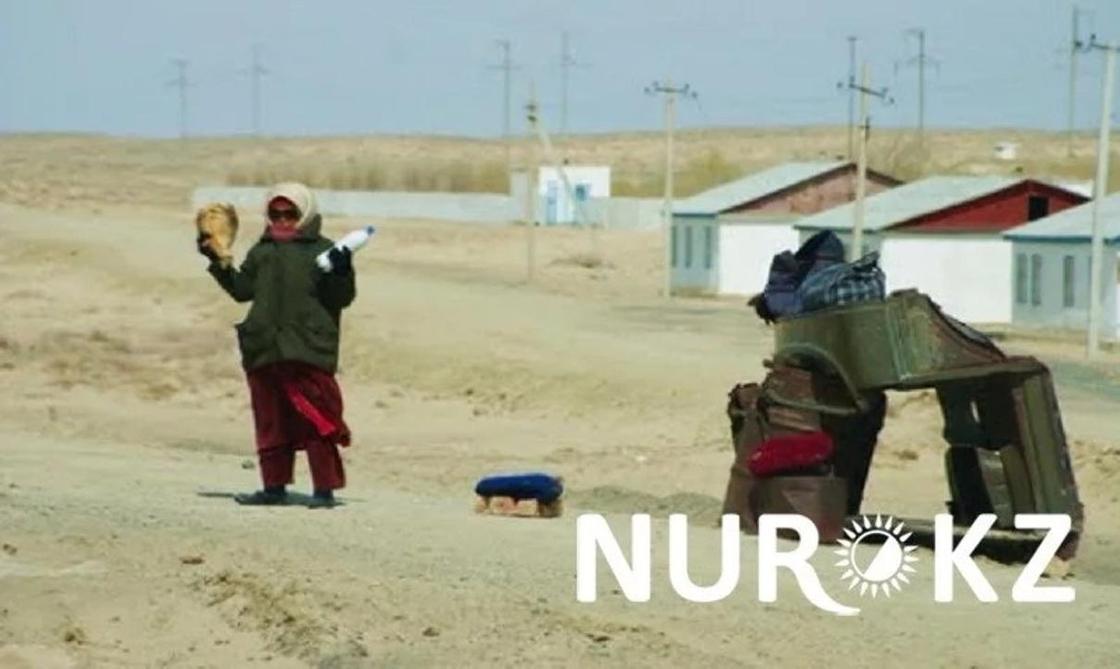 Қызылорда облысында дипломы бар ұстаздар жол бойында балық сатып, жан бағып жүр (фото)