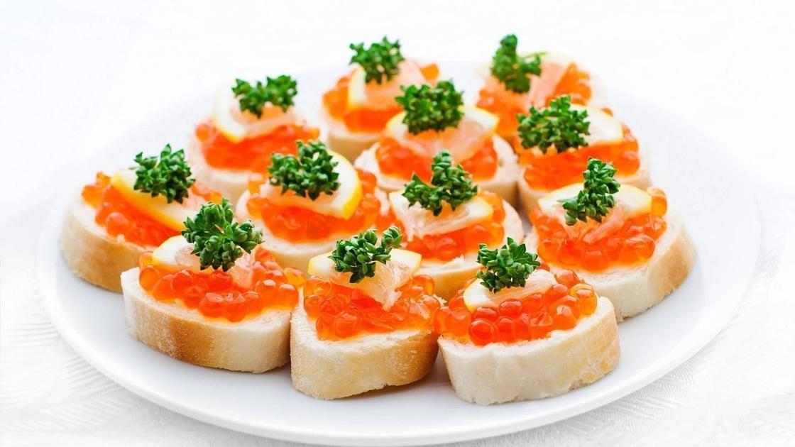 Вкусные бутерброды на праздничный стол: рецепты