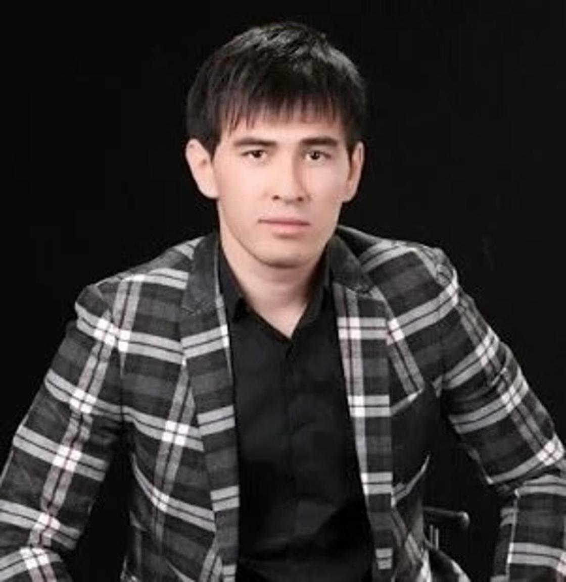 Асан Пердешов. Фото: downloadatoz.com