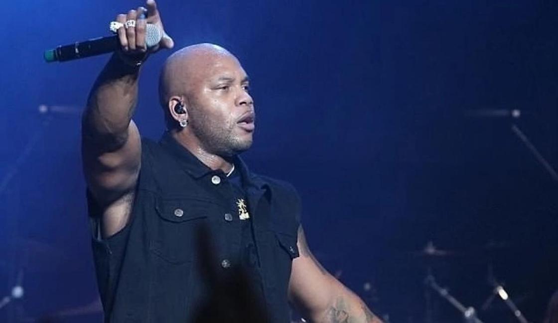 Рэпер Flo Rida отказался от больного сына, назвав его отродьем