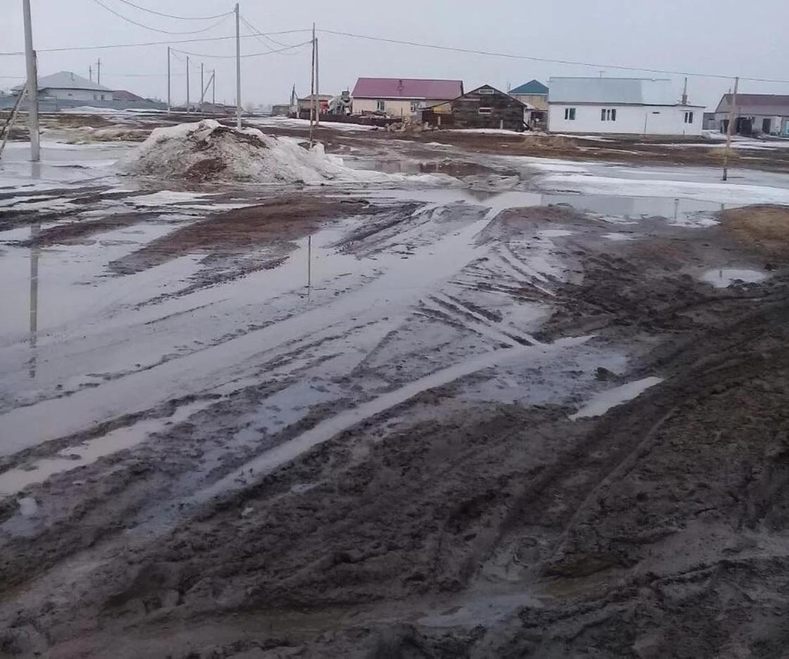 11.04 Машина с водой не может проехать: жители Акмолинской области рассказали о жизни в ауле