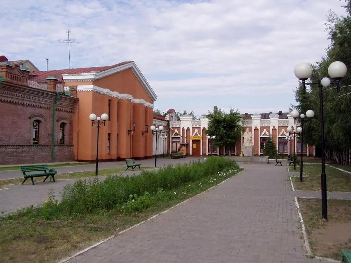 Областной театр в Павлодаре
